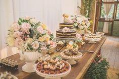 Se você sonha com um casamento vintage vai amar esse casamento! Cheio de DIY, significado e amor em todos os detalhes!