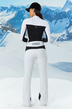 Look and feel your best in Forever 21 activewear and workout clothes for women! Forever 21 Uk, Shop Forever, Apres Ski Outfits, Girls Ski Jacket, Ski Jumpsuit, Winter T Shirts, Ski Wear, Snow Fashion, Skiing