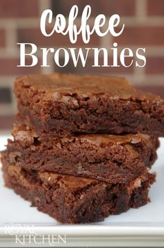 As we all know, coffee and chocolate just go together and these Coffee Brownies are no exception! Coffee Brownies, Chocolate Chip Brownies, Brownie Cake, Espresso Brownies, Desserts To Make, Delicious Desserts, Yummy Food, Coffee Dessert, Dessert Bars