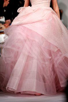 Oscar de la Renta fall 2012 http://crushculdesac.tumblr.com/post/45564311317/she-loves-fashion-she-loves-fashion-oscar-de