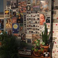 bedroom vintage Another update on my wall tjeeeez Retro Room, Vintage Room, Bedroom Vintage, Quirky Bedroom, Room Ideas Bedroom, Diy Bedroom Decor, Design Bedroom, Bed Design, Rock Bedroom