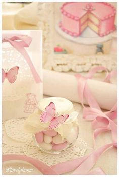 Butterfly baby shower favour - {Butterflies and sweet bon bon} Butterfly Party Favors, Butterfly Garden Party, Butterfly Birthday Party, Butterfly Baby Shower, Diy Wedding, Wedding Favors, Party Wedding, Wedding Centerpieces, Wedding Bouquets