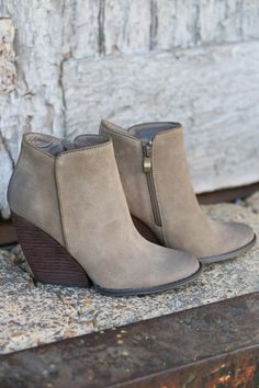 Oh yessss! Whitby Bootie (Taupe)