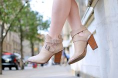Shoemint Milly boots in Taupe Snakeskin