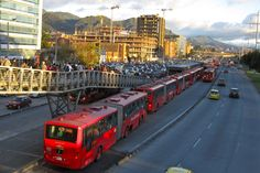 Bogotá. Transmilenio, estación calle 100. Rapid Transit, Culture Travel, Transportation, How To Memorize Things, Vacation, Country, English, Colombia, Family Vacations
