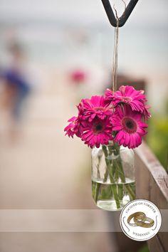 #gerberdaisy #weddingflowers #beachwedding #focusedonforever #ido