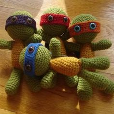 Super Cute Free pattern Alert from Crochet Cricket! Teenage Mutant Ninja Turtles Amigurumi.