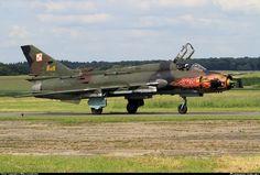 https://img.planespotters.net/photo/344000/original/8919-polish-air-force-sukhoi-su-22_PlanespottersNet_344794.jpg