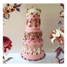 I made this #WilliamMorris inspired print cake for @houseofhackney