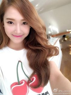 Jessica Shares a Beautiful Selca on Weibo Jessica Jung, Jessica & Krystal, Krystal Jung, Yoona, Snsd, Girls Generation, Kpop Girl Groups, Kpop Girls, Korean Girl