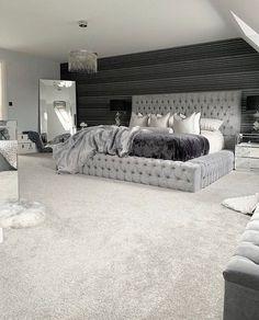 Girl Bedroom Designs, Room Ideas Bedroom, Home Decor Bedroom, Classy Bedroom Ideas, Master Bedroom Decorating Ideas, Girl Apartment Decor, Black Room Decor, Grey Bedroom Design, Apartment Hacks