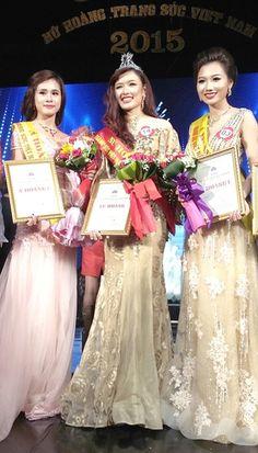Photos: Phuong Chi wins Miss Jewellery 2015  Dang Pham Phuong Chi was sashed Miss JewelleryVietnam 2015 at the pageant grand finale on December 24 at the CulturalFriendship Palace in Hanoi.   Vietnam Tour Expert Help: www.24htour.com Halong Bay Cruises Tour  Expert Help: www.halongcruises.com.au  #24htour  #vietnamtravelnews #vietnamnews #traveltovietnam #vietnamtravel #vietnamtour