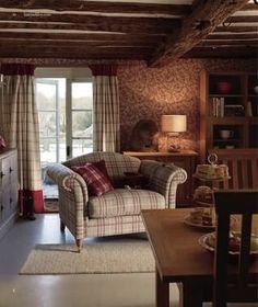 Country Cottage Living Room New Estilo Cottage No Chalé … Decorating English Cottage Style, English Country Decor, English Style, French Style, English Cottages, Country Cottages, Modern Country, Cottage Living Rooms, Home And Living