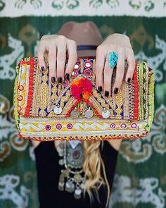Afghan clutch