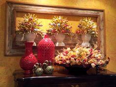 Quadro vasos de flores entalhadas na madeira