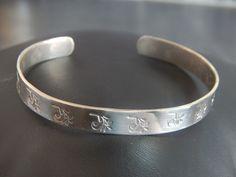 """Bracelet jonc """"Lili"""" argenté motif Feuilles : Bracelet par bijou-lie"""