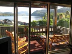 The Harbor #24 400n 3bd 3ba  lake placid walk to town 12min incl linens + wood great view and comfy unit with everything