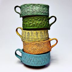 New week everybody! Turkey day is around the corner! Wish you all safe travels during this insane travel week! BTW these mugs are for sale over Thea - check their feed for a link click now for more. Pottery Bowls, Ceramic Pottery, Pottery Ideas, Ceramic Cups, Ceramic Art, Soup Mugs, Soup Crocks, Clay Center, Clay Texture