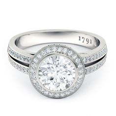 Essence Round Brilliant Diamond Ring in 18kt White Gold - Top View