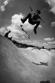 skateboarding skateboarding