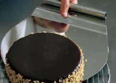 Glukosesirup ist eingedickter Traubenzucker und wird aus Stärke hergestellt. Es verlangsamt in Gebäck den Verlust von Feuchtigkeit und wird bei vie... Griddle Pan, Syrup, Stainless Steel, Grill Pan