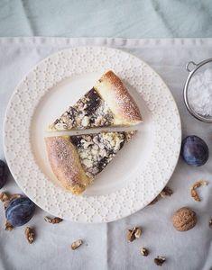 Kynutý švestkový koláč s drobenkou | Máma peče doma
