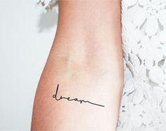 """tatuajes temporales gráfico 3 con la palabra """"sueño"""" o sueño en inglés / palabra del tatuaje / del tatuaje minimalista"""