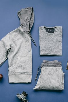 Meet our new fleece jogger & hoodie, just in time for spring outings. Heather grey on heather grey = cool without trying. Shop this look and all new men's arrivals from Gap.