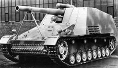 Tank Archives: Hummel: Bee with a Long Stinger Geschutzwagen III, spring 1943 production.