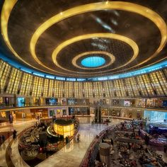 Mall Taken by Ahmed Alkuhaili Dubai Shopping, Dubai Mall, Shopping Malls, Voyage Dubai, Dubai Travel Guide, Mall Design, World's Most Beautiful, United Arab Emirates, Shopping Center