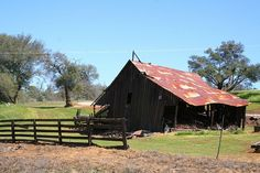 Road 200 Barn 1 by suewylan, via Flickr