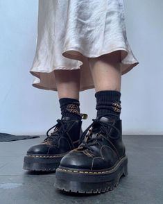 Dr. Martens, Doc Martens Oxfords, Sock Shoes, Cute Shoes, Me Too Shoes, 90s Shoes, Aesthetic Shoes, Aesthetic Clothes, Diy Kleidung Upcycling
