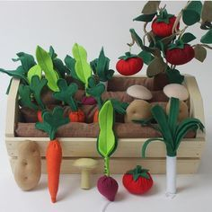 "Handmade Holidays Gift Ideas & Resources ~ Fun with Felt Handmade Holidays: Plantable Garden Vegetables & Fruits Pretend Play Set by Prodigal Pieces www. Képtalálat a következőre: ""felt garden"" Come be inspired to create for the young and young-a Kids Crafts, Baby Crafts, Felt Crafts, Diy And Crafts, Craft Projects, Sewing Projects, Felt Play Food, Diy Toys, Handmade Toys"