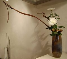 Ikebana 'Reaching for the stars' | Flickr : partage de photos !