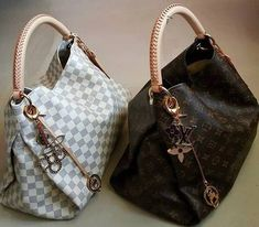 Fashion Designers Louis Vuitton Outlet, Let The Fashion Dream With LV Handbags At A Discount! New Ideas For This Summer Inspire You, Time To Shop For Gifts, Louis Vuitton Bag Is Always The Best Choice, Get The Style You Love From Here. Louis Vuitton Handbags, Fashion Handbags, Purses And Handbags, Fashion Bags, Leather Handbags, Womens Fashion, Cheap Handbags, Popular Handbags, Tote Handbags