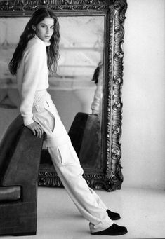 Gisele Bundchen in a cream winter look models for Ralph Lauren in Ralph Lauren Style, Ralph Lauren Collection, 90s Fashion, High Fashion, Fashion Outfits, Looks Style, My Style, Patrick Demarchelier, Helena Christensen