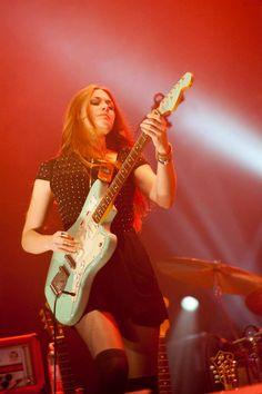Rebecca Lovell of Larkin Poe at the 2014 Hebridean Celtic Festival, photo by Leila J Angus All Rights Reserved Bass, Celtic Festival, Rock Videos, Women Of Rock, Guitar Girl, Female Guitarist, Nikki Sixx, Metalhead, Rock Style