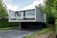 J Kortrijk / Govaert & Vanhoutte
