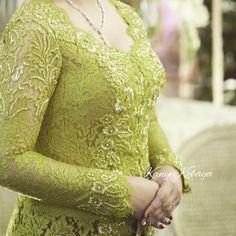 Kebaya Simple, Lace Wedding, Wedding Dresses, Women's Fashion, Beautiful, Bride Dresses, Bridal Gowns, Fashion Women