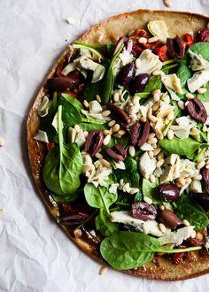 Quinoa Pizza Crust | HelloNatural.co