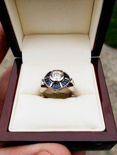 En anillos geek nada mas original que un anillo de compromiso R2-D2 de Star Wars!!