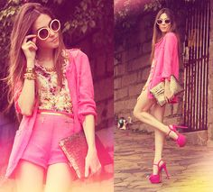 I'm back (by Flávia Desgranges van der Linden) http://lookbook.nu/look/4204727-Romwe-Clutch-Arezzo-Shoes-Sunglasses-I-M-Back