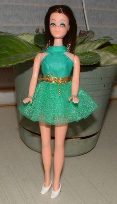 1970 Mod Dawn Doll Clothes Green Fling 8113 Mini by CelwinsCloset, Fashion Dolls, Fashion Show, Golden Brown Hair, Childhood Memories, Childhood Toys, Dawn Dolls, She Girl, Vintage Barbie Dolls, Barbie Friends