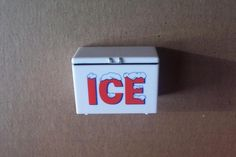 1 Ice Chest Cooler ONLY Garage Shop Gas Station Diorama 1:25 Model Car Accessory