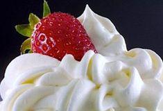 6 рецептов вкуснейших кремов для тортов. Готовятся в два счета!