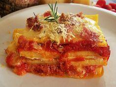 POLENTA PASTICCIATA AL FORNO CON RAGU' ALLA BOLOGNESE E FUNGHI Many other polenta dishes here, translate...