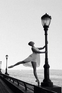 Bailarina Brasil - The Best Ballet Instagram Accounts - Pretty Ballet Instagram Photos - Elle