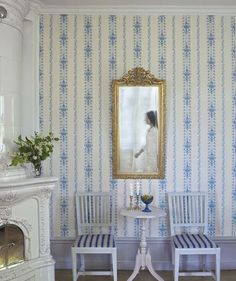 Gustavian Style - A Higher End looking Swedish style vs Scandinavian Country Style Swedish Wallpaper Swedish Cottage, Swedish Decor, Swedish Style, Swedish House, Swedish Design, Nordic Style, Swedish Wallpaper, Home Wallpaper, Wallpaper Borders