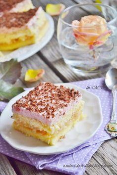 Z miłości do słodkości...: Ciasto z jabłkami i ptasim mleczkiem