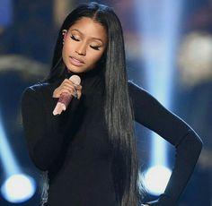 Nicki Minaj middle part hair